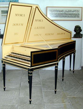 Image of harpsichord